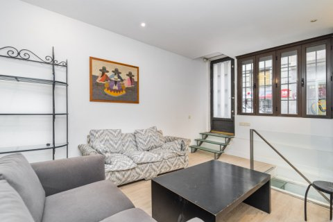 Apartment for sale in Madrid, Spain, 4 bedrooms, 160.00m2, No. 1471 – photo 23