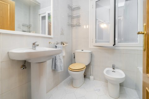 Apartment for sale in Madrid, Spain, 3 bedrooms, 88.00m2, No. 2453 – photo 27