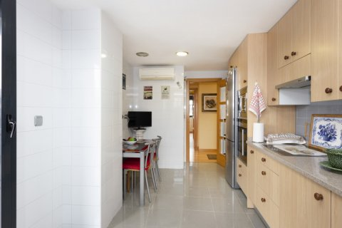 Apartment for sale in Getafe, Madrid, Spain, 4 bedrooms, 242.00m2, No. 2480 – photo 12