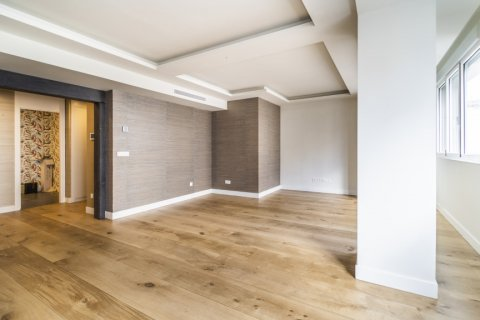 Apartment for sale in Madrid, Spain, 3 bedrooms, 185.00m2, No. 2630 – photo 23