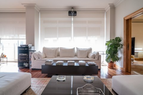 Apartment for sale in Madrid, Spain, 5 bedrooms, 384.00m2, No. 2372 – photo 3