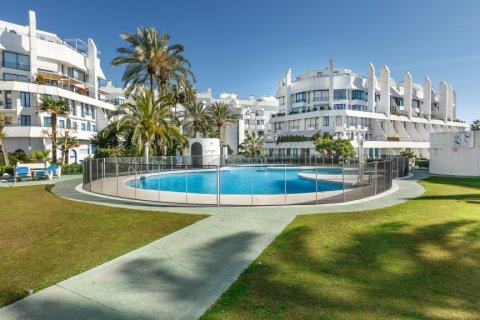 Penthouse for sale in Marbella, Malaga, Spain, 4 bedrooms, 344.73m2, No. 2195 – photo 1