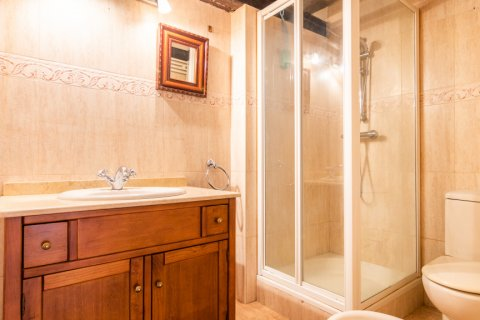 Apartment for sale in Madrid, Spain, 3 bedrooms, 130.00m2, No. 2006 – photo 14