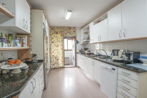 Apartment for sale in Sevilla, Seville, Spain, 3 bedrooms, 193.00m2, No. 2430 – photo 19