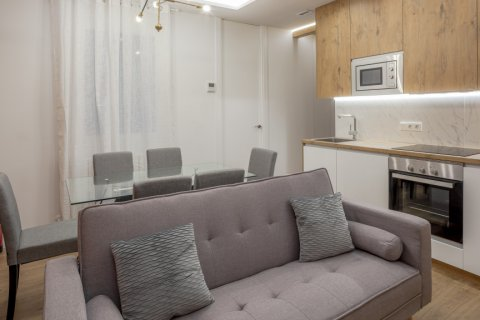 Apartment for sale in Madrid, Spain, 2 bedrooms, 52.00m2, No. 2298 – photo 1