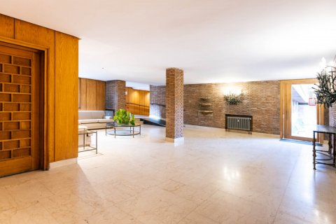 Apartment for sale in Madrid, Spain, 5 bedrooms, 293.00m2, No. 2736 – photo 10