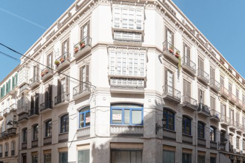 Apartment for sale in Malaga, Spain, 5 bedrooms, 181.00m2, No. 2193 – photo 19
