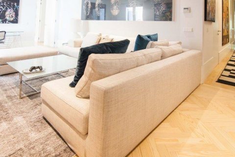 Apartment for sale in Madrid, Spain, 4 bedrooms, 345.00m2, No. 1663 – photo 18
