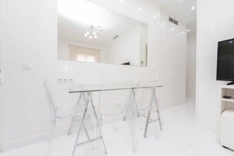 Apartment for sale in Madrid, Spain, 2 bedrooms, 46.00m2, No. 2423 – photo 9