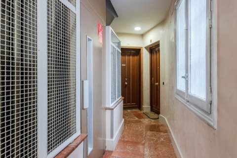 Apartment for sale in Madrid, Spain, 3 bedrooms, 147.00m2, No. 2026 – photo 21