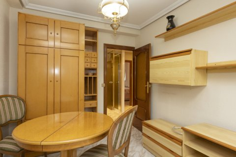 Apartment for sale in Madrid, Spain, 5 bedrooms, 114.00m2, No. 2670 – photo 28