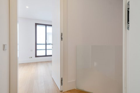 Apartment for sale in Madrid, Spain, 2 bedrooms, 157.00m2, No. 2070 – photo 17