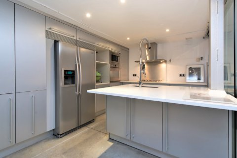 Apartment for sale in Madrid, Spain, 2 bedrooms, 193.00m2, No. 2494 – photo 8