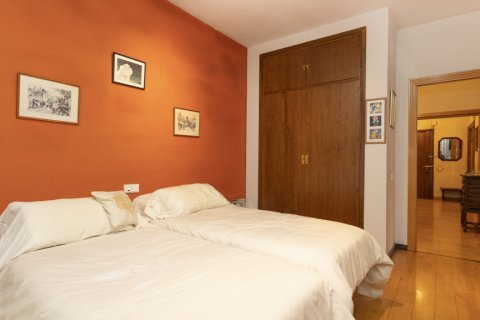 Apartment for sale in Madrid, Spain, 5 bedrooms, 322.00m2, No. 2584 – photo 17