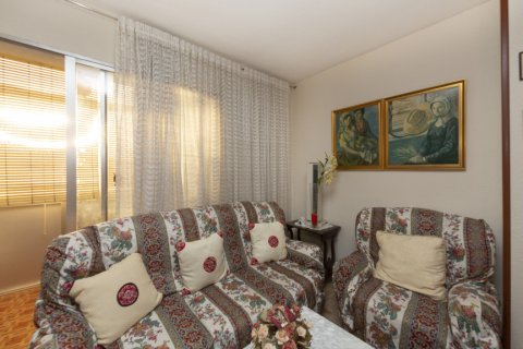 Apartment for sale in Madrid, Spain, 3 bedrooms, 90.00m2, No. 2414 – photo 3