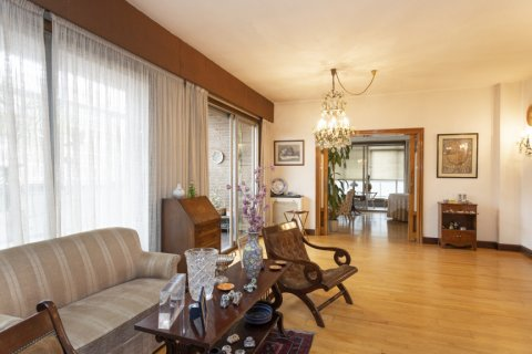 Apartment for sale in Madrid, Spain, 5 bedrooms, 322.00m2, No. 2584 – photo 10