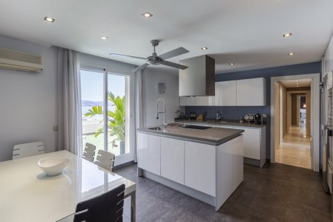 Penthouse for sale in Marbella, Malaga, Spain, 3 bedrooms, 172.74m2, No. 2165 – photo 7