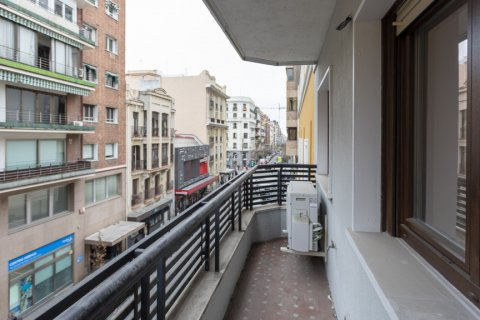 Apartment for sale in Madrid, Spain, 3 bedrooms, 136.00m2, No. 2007 – photo 13