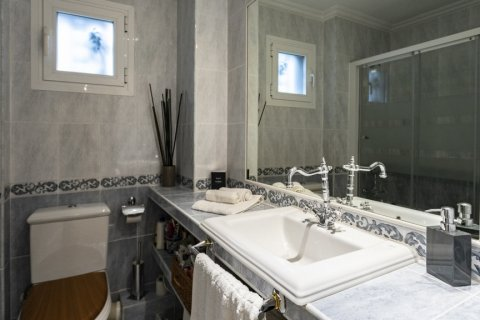 Apartment for sale in Madrid, Spain, 4 bedrooms, 122.00m2, No. 2013 – photo 28