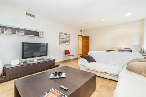 Apartment for sale in Madrid, Spain, 4 bedrooms, 218.00m2, No. 2576 – photo 5