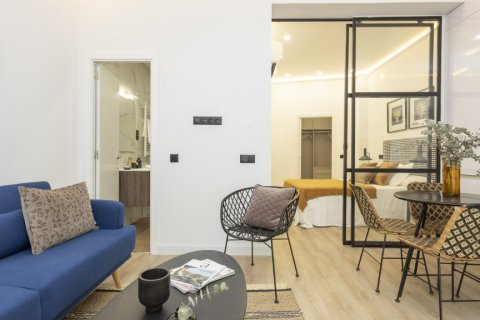 Apartment for sale in Madrid, Spain, 1 bedroom, 50.00m2, No. 2723 – photo 2