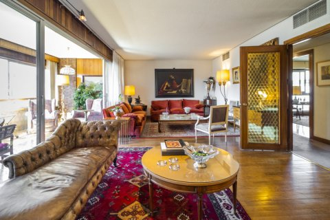 Apartment for sale in Madrid, Spain, 6 bedrooms, 414.00m2, No. 2470 – photo 9