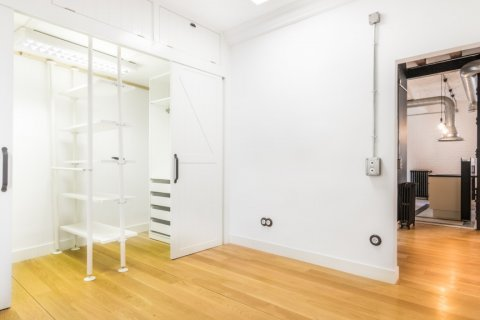 Apartment for sale in Madrid, Spain, 3 bedrooms, 215.00m2, No. 2448 – photo 17