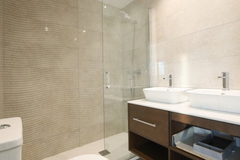 Apartment for sale in Madrid, Spain, 4 bedrooms, 200.00m2, No. 2361 – photo 18