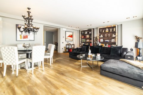 Apartment for sale in Madrid, Spain, 3 bedrooms, 322.00m2, No. 2564 – photo 8