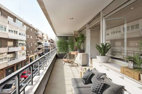 Apartment for sale in Madrid, Spain, 4 bedrooms, 187.00m2, No. 2662 – photo 4
