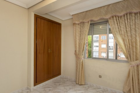 Apartment for sale in Madrid, Spain, 5 bedrooms, 114.00m2, No. 2670 – photo 16