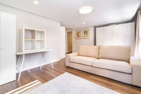 Apartment for sale in Madrid, Spain, 3 bedrooms, 150.00m2, No. 2538 – photo 28