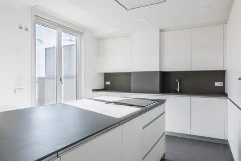 Duplex for sale in Madrid, Spain, 3 bedrooms, 383.49m2, No. 2257 – photo 5