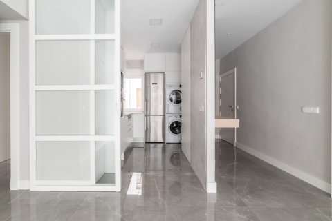 Apartment for sale in Madrid, Spain, 3 bedrooms, 93.00m2, No. 2039 – photo 3