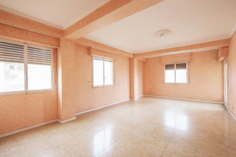 Apartment for sale in Sevilla, Seville, Spain, 5 bedrooms, 204.00m2, No. 2637 – photo 3