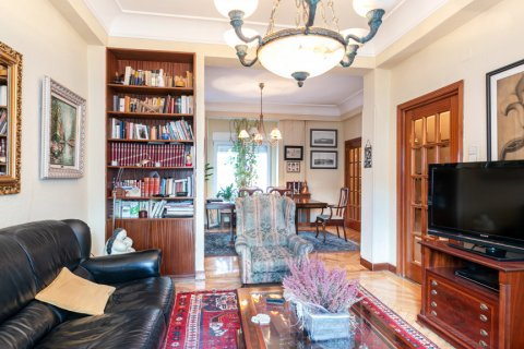 Apartment for sale in Madrid, Spain, 3 bedrooms, 167.00m2, No. 1945 – photo 1