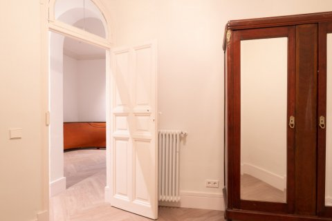 Apartment for sale in Madrid, Spain, 3 bedrooms, 185.00m2, No. 2098 – photo 20