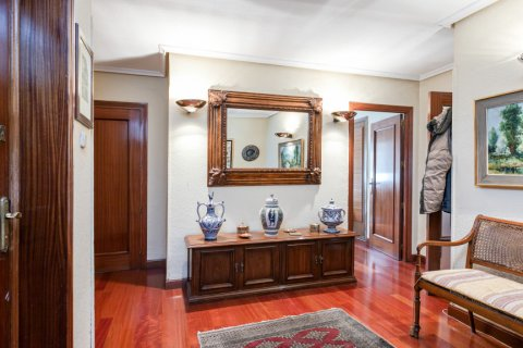 Apartment for sale in Madrid, Spain, 3 bedrooms, 167.00m2, No. 1945 – photo 11