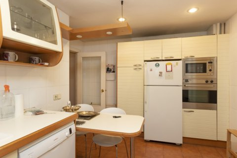 Apartment for sale in Madrid, Spain, 5 bedrooms, 322.00m2, No. 2584 – photo 15
