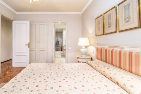 Apartment for sale in Madrid, Spain, 4 bedrooms, 189.00m2, No. 2370 – photo 28