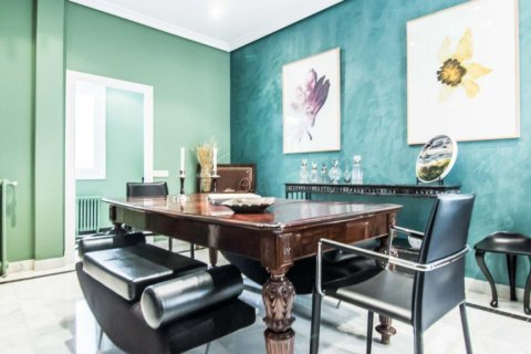 Apartment for sale in Madrid, Spain, 4 bedrooms, 230.00m2, No. 1672 – photo 13