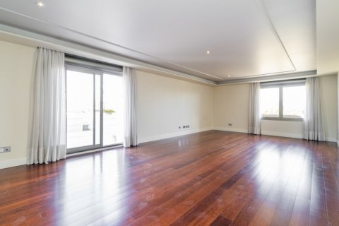 Penthouse for sale in Madrid, Spain, 3 bedrooms, 239.00m2, No. 1699 – photo 2
