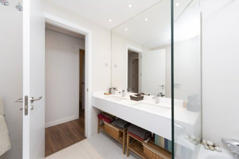 Apartment for sale in Madrid, Spain, 3 bedrooms, 177.00m2, No. 2163 – photo 11