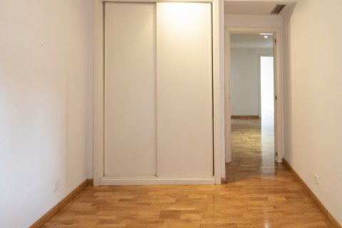 Apartment for rent in Madrid, Spain, 4 bedrooms, 150.00m2, No. 1937 – photo 30