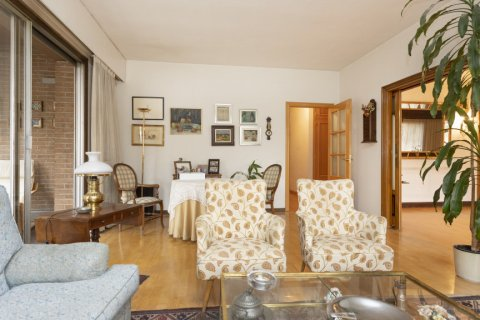 Apartment for sale in Madrid, Spain, 5 bedrooms, 322.00m2, No. 2584 – photo 3