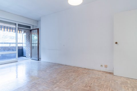 Apartment for sale in Madrid, Spain, 52.00m2, No. 2025 – photo 7