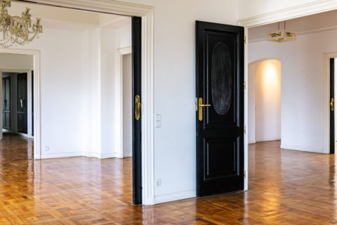 Apartment for sale in Madrid, Spain, 6 bedrooms, 500.00m2, No. 2408 – photo 9