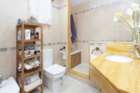 Apartment for sale in Madrid, Spain, 5 bedrooms, 232.00m2, No. 2190 – photo 24