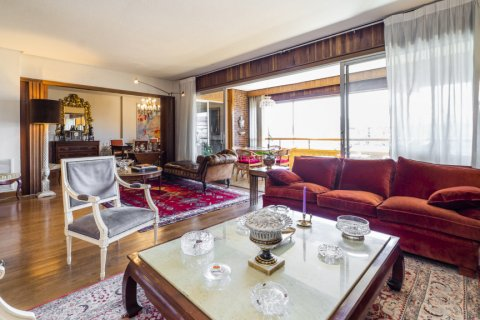 Apartment for sale in Madrid, Spain, 6 bedrooms, 414.00m2, No. 2470 – photo 13