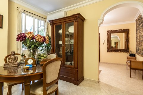 Apartment for sale in Malaga, Spain, 5 bedrooms, 181.00m2, No. 2193 – photo 2